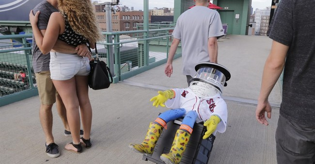 Robot's cross-country hitchhike hasn't left Massachusetts